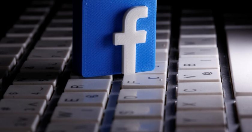 Facebook, three Indonesian firms in early talks for mobile payment approval: sources