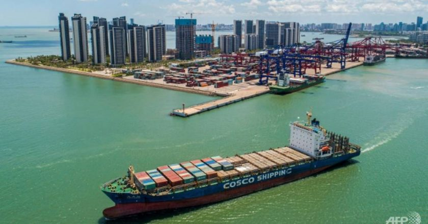 China's exports up 28%, imports hit decade-high